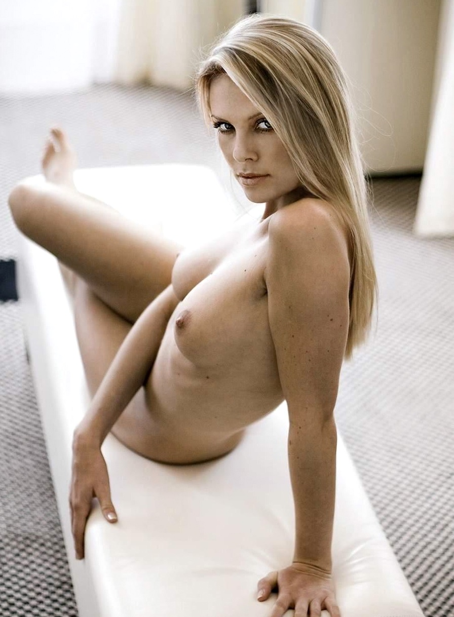 Charlize theron nude photos