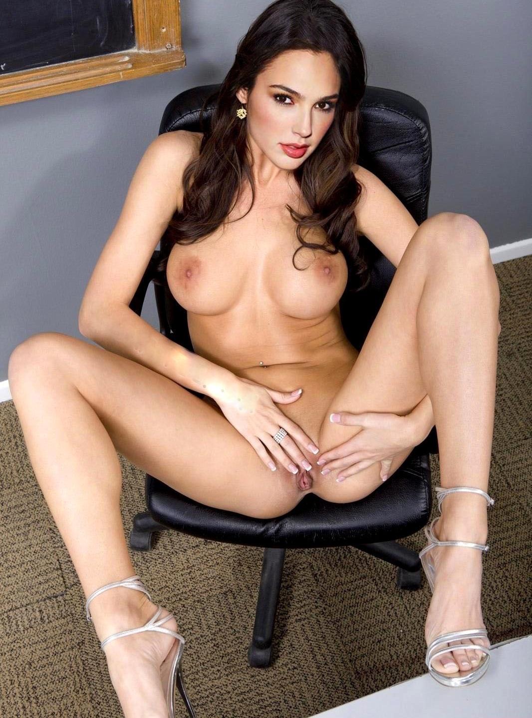 Fake porn photo of wonder woman star gal gadot goes viral
